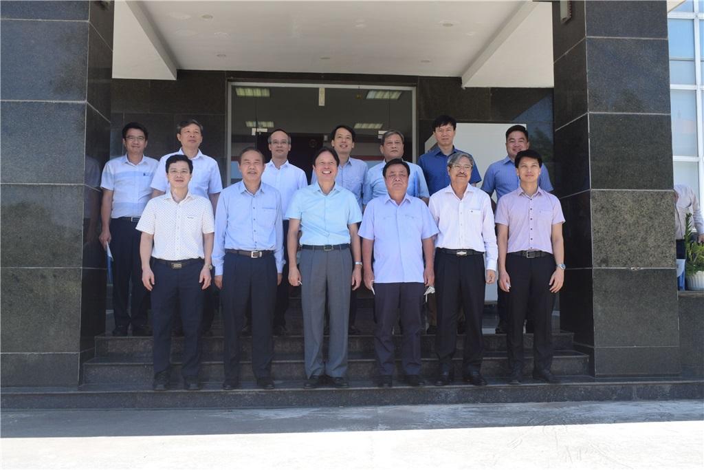Đoàn lãnh đạo bộ đến thăm